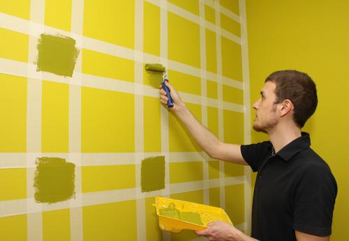 Покраска стен дома своими руками