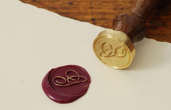Сургучные печати для декорирования изделий ручной работы.