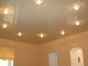 Как выбрать натяжной потолок