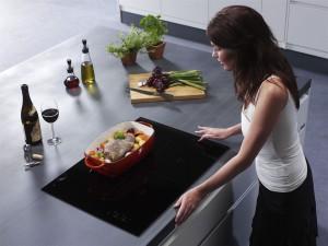 Хозяйка на кухне1