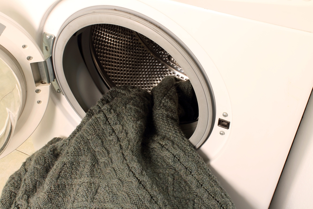 Как стирать свитер